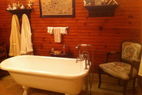 Restored Indianapolis Cast Iron Clawfoot Tub