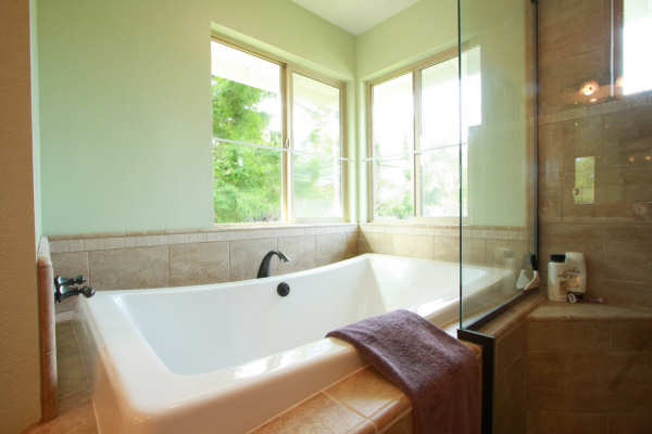 Bathtub Refinishing Louisville KY - Colored Porcelain, Enameled & Acrylic Tubs
