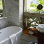 Bathtub Refinishing Jacksonville FL - Colored Porcelain, Enameled & Acrylic Tubs