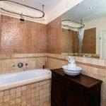 Bathtub Refinishing Pittsburgh PA - Colored Porcelain, Enameled & Acrylic Tubs