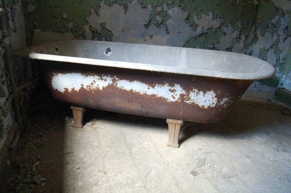 Bathtub Resurfacing Columbus OH - Vintage Freestanding Cast Iron Clawfoot Tubs