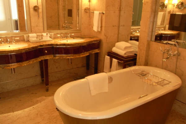 Bathtub Makeover Wizards Refinishing in Connecticut