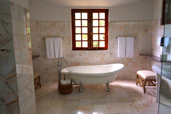 Bathtub Makeover Wizards Refinishing in Minnesota